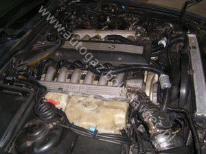 BMW 750 V12, nowy wydajny system doprowadzania gazu do aut z dużą pojemnoscią silnika